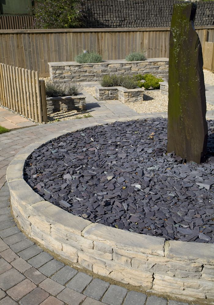 Blue slate chippings 40mm decorative aggregates for Blue slate garden designs