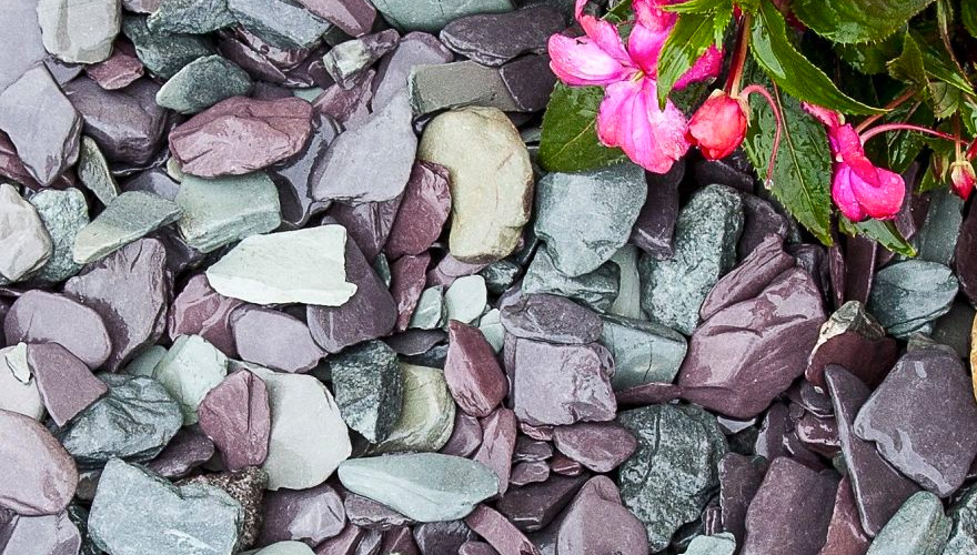 The Ultimate Guide To Slate Chippings - Decorative Aggregates