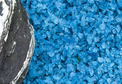 Turquoise Glass Chippings 10-14mm