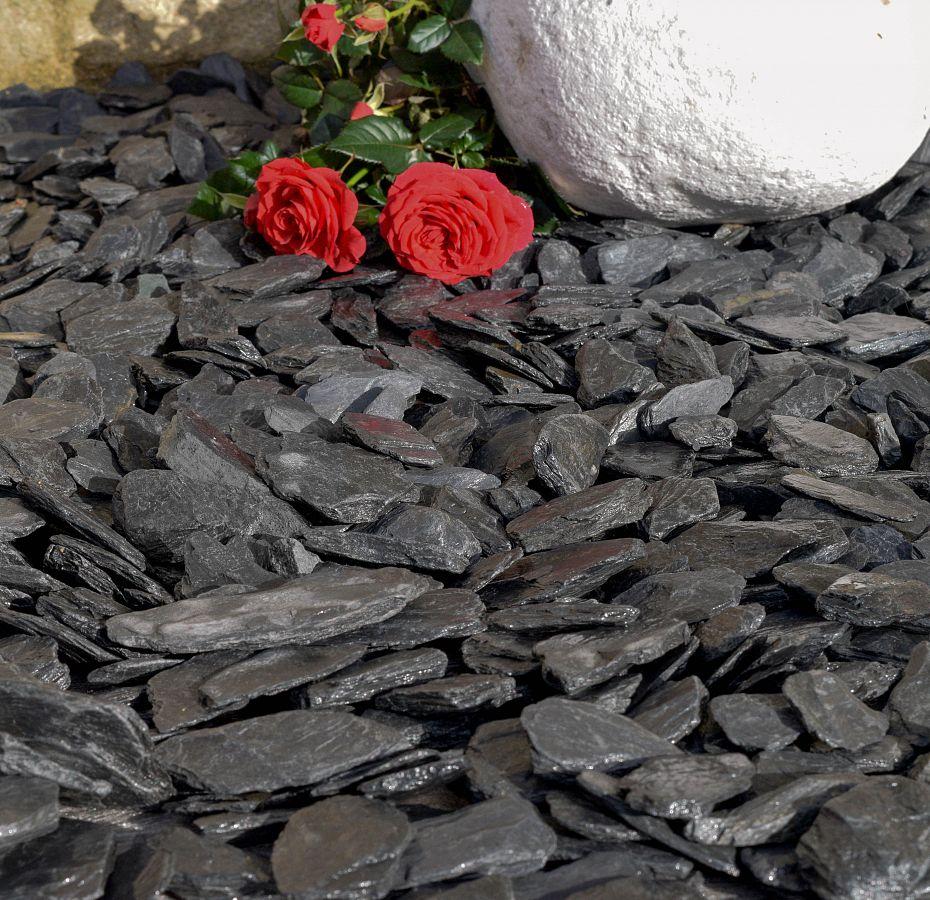 graphite grey slate chippings 40mm   decorativeaggregates