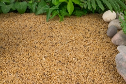 Small plot of Autum gold gravel in garden